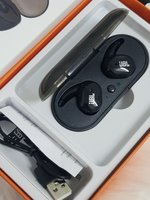 Used Earphone JbL new TWS 4 in Dubai, UAE