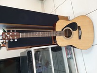 Used YAMAHA GUITAR BRAND NEW in Dubai, UAE