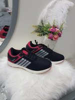 Used 4 3  shoes very good new in Dubai, UAE