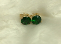 Used NON TARNISH EARRINGS STUD GREEN in Dubai, UAE