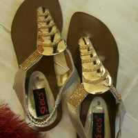 Used Brand New Shoes Never Worn Before in Dubai, UAE