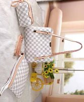 Used Lv ladies bag set of 3 white in Dubai, UAE