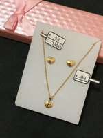 Set necklace and earrings with 1.46grams