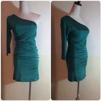 Used Green Dress For lady brand new amazing. in Dubai, UAE