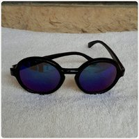 Sunglass black for lady....😀