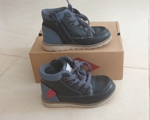 Used Lee Cooper high top boots size 25EU in Dubai, UAE