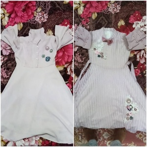 Used Frock 2 pics baby girl 3- 4 years in Dubai, UAE