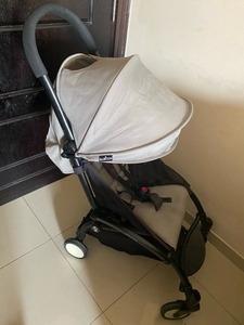 Used Yo-yo babyzen stroller like new in Dubai, UAE
