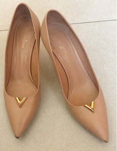 Used Louis Vuitton Pumps in Dubai, UAE