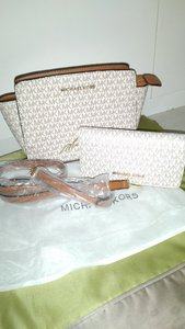 Used Mk bag and wallet in Dubai, UAE