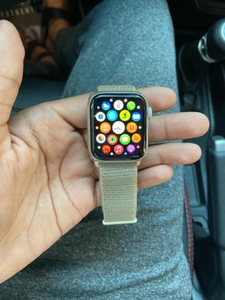 Used Apple Watch Series 4 - 40mm Silver  in Dubai, UAE
