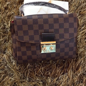 Used Louis Vuitton handbag 👜 (new) copy  in Dubai, UAE