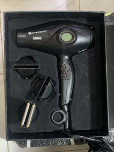 Used Onetech Professional hair Dryer new in Dubai, UAE