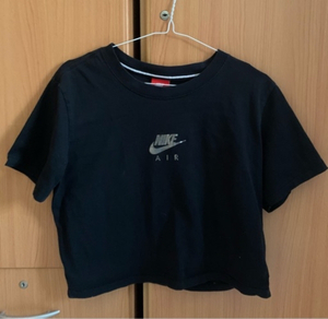Used nike air crop tee in Dubai, UAE