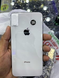 Used IPhone XS Max 256 Gb original referbish  in Dubai, UAE