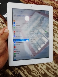 Used Ipad 2 16 gb white perfect Condition  in Dubai, UAE