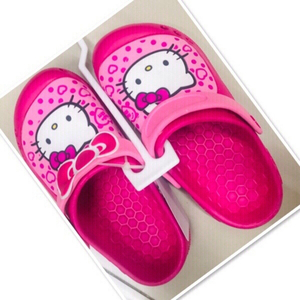 Used Pink Hello Kitty clogs size 34 ♥️ in Dubai, UAE