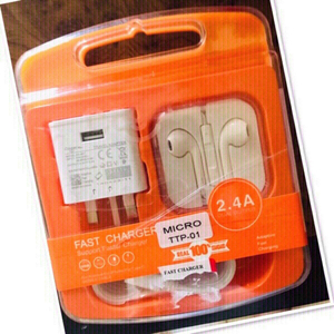 Used Set of Fast Charger & Headphone ♥️ in Dubai, UAE