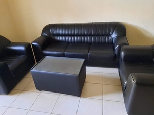 Used Sofa 5 seaters with cofee table 450 aed in Dubai, UAE