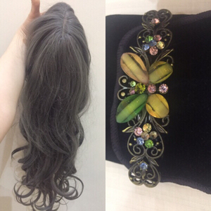 Used Grey wig and crystal hair clip  in Dubai, UAE
