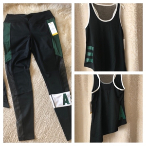 Used Sport set Tank & legging size M in Dubai, UAE