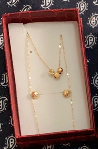 Used 18k set gold in Dubai, UAE