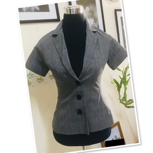 Used Blazer Top / Small ♥️ in Dubai, UAE