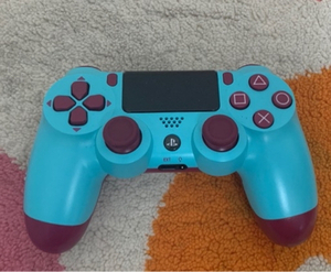 Used PS4 CONTROLLER! BRAND NEW in Dubai, UAE