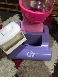 Used Vacuum battery operated in Dubai, UAE