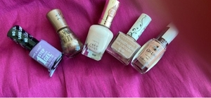 Used Nail polish5 pieces in Dubai, UAE
