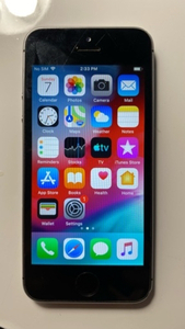 Used iPhone 5s (16GB) in Dubai, UAE
