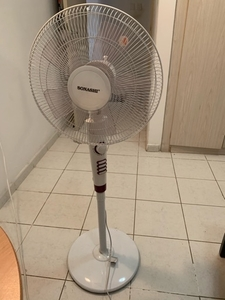 Used Stand fan have more then 6 months Warren in Dubai, UAE