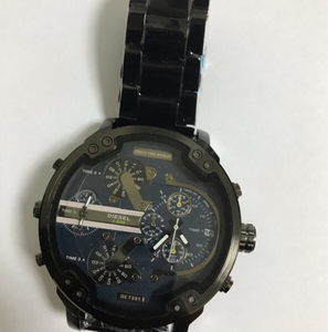 Used Diesel 3 bar watch for men black color in Dubai, UAE