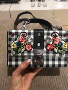 Used GUESS authentic bag, brand new in Dubai, UAE