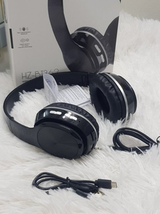 Used New bluetooth headphones with Aux cabal in Dubai, UAE