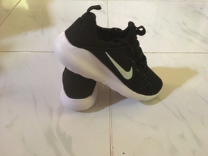 Used Nike sneakers new, size 42 in Dubai, UAE