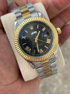 Used Rolex Elegant watch in Dubai, UAE