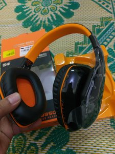 Used Gaming Bluetooth headset high Bass in Dubai, UAE