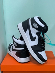 Used Nike Jordan high cut size 42 new in Dubai, UAE