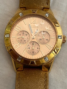 Used Original authentic GUESS watch stunning  in Dubai, UAE