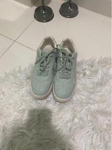 Used Stradivarious-green sneakers  in Dubai, UAE