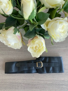 Used Fashion leather black belt  in Dubai, UAE