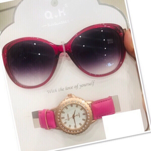 Used Ladies set Sunglasses +watch ♥️ in Dubai, UAE