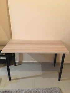 Used Desk in Dubai, UAE
