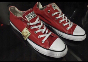 Used Converse sneakers size 42, new  in Dubai, UAE