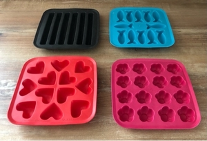 Used IKEA PLASTIS ice cube trays set of 4  in Dubai, UAE