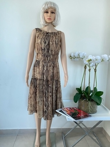 Used Beautiful dress size M in Dubai, UAE