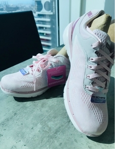 Used Sketchers Shoes for Ladies in Dubai, UAE