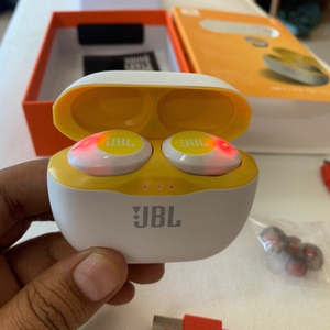 Used Tune 120 JBL Pure Bass White and Yellow in Dubai, UAE