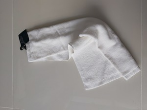 Used Hooked towel in Dubai, UAE